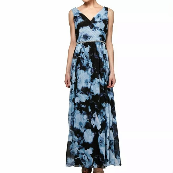 SLNY Dresses & Skirts - SLNY Surplice Floral Ball Gown